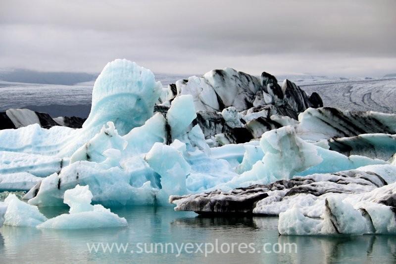 Pure magic: Jökulsárlón glacier lagoon and Diamond Beach in Iceland